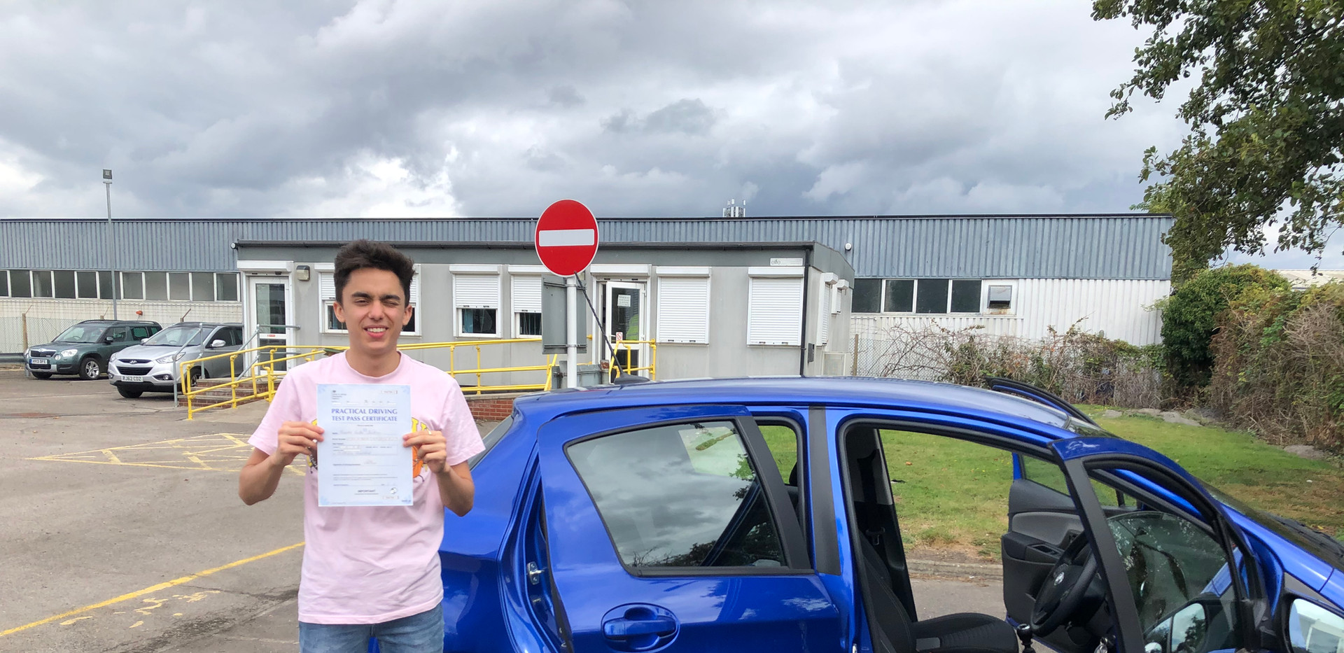 Tom Jackson passes first time with our Hindhead Driving School