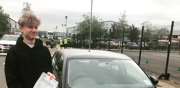Congratulations to Haslemere Driving lessons student, Peter Scott, who passed FIRST time at Farnborough Test Centre today, 17th May 2019