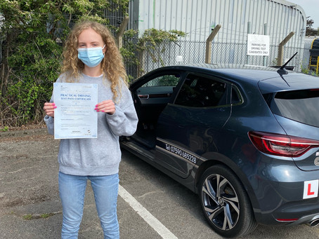 Charlotte passes first time