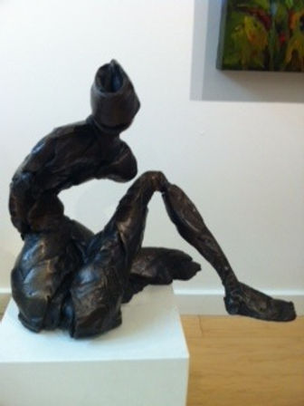 bronze sculpture titled Seated Abstract by artist camie geary-martin.