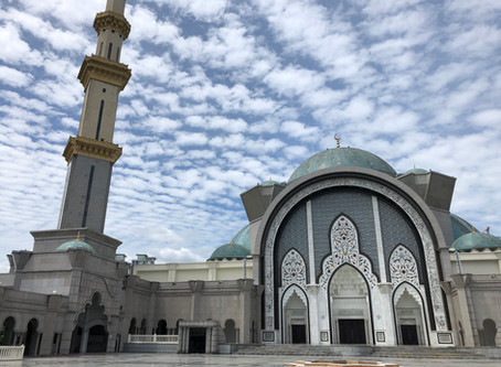 Get a deeper understanding ofIslam in Malaysiawith the guides of the Federal Mosque