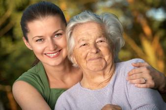 Как правильно вести себя со своим пожилым родственником