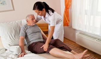 Как лечить пролежни у пожилых лежачих людей