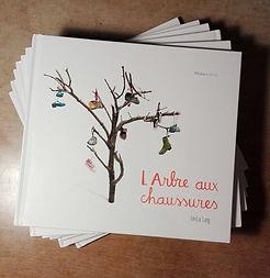 Nous avons crée cet album illustré à partir de l ' espectacle.  Publié par Moka editions. Disponible à partir du setembre 2016.