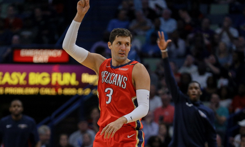 Nikola_Mirotic_Around_the_Game
