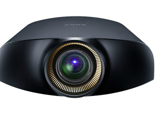 Международные эксперты высоко оценивают кинотеатральные проекторы Sony