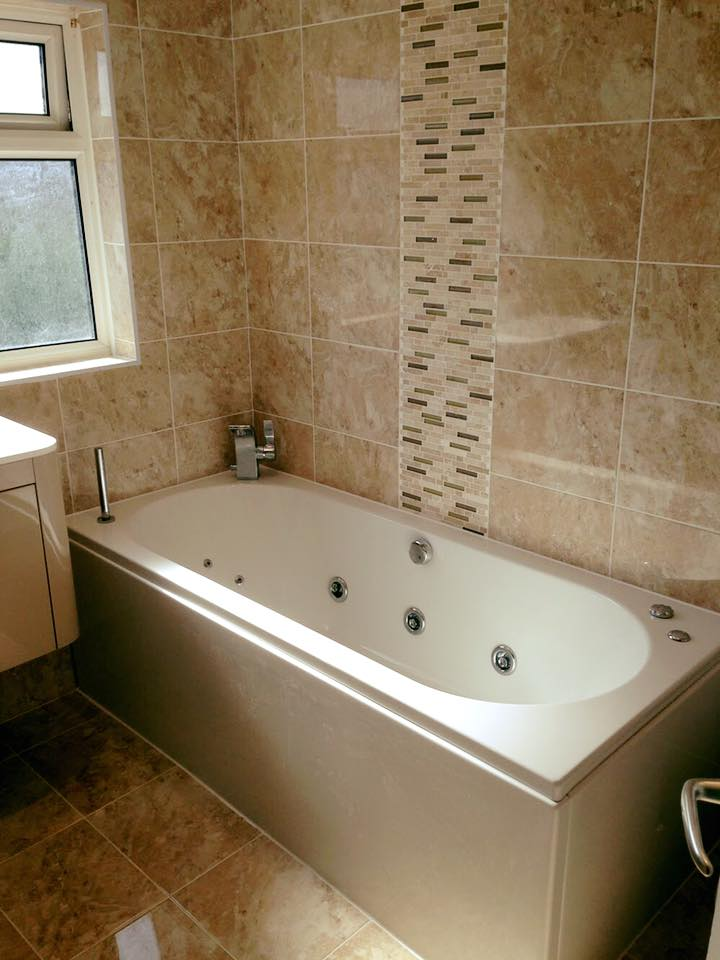 Spa bath - Billingshurst