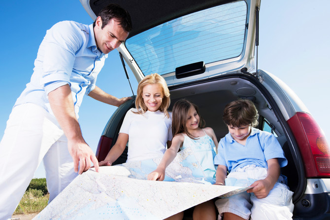 Handy Tricks for Parents To Make Family Summer Trips Less Messy