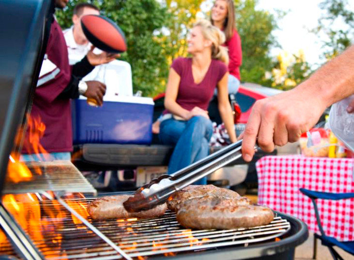 Useful Guide To Cleaning & Maintaining your BBQ