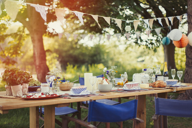 Tips to Host the Perfect Small Garden Party