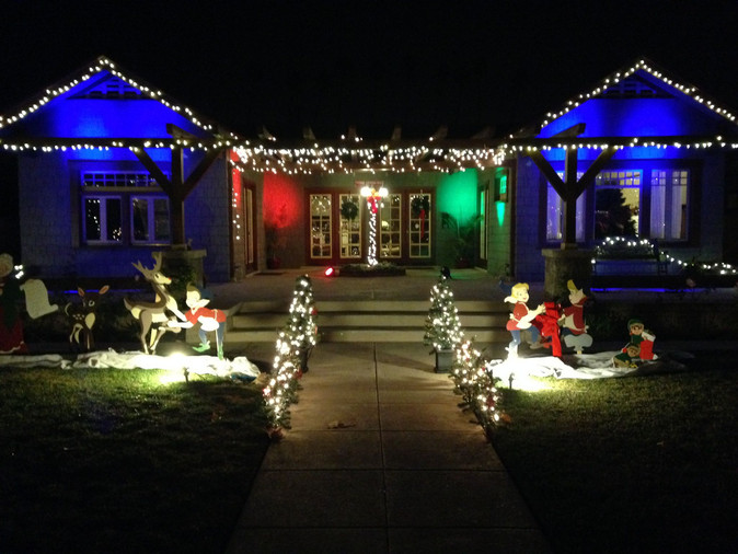 How to Make Your Outdoor Christmas Lights Dazzle This Festive Season