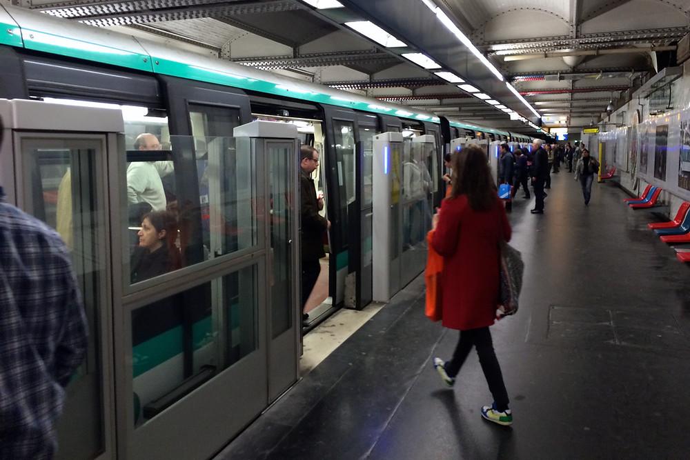 Paris T-banestasjon.JPG