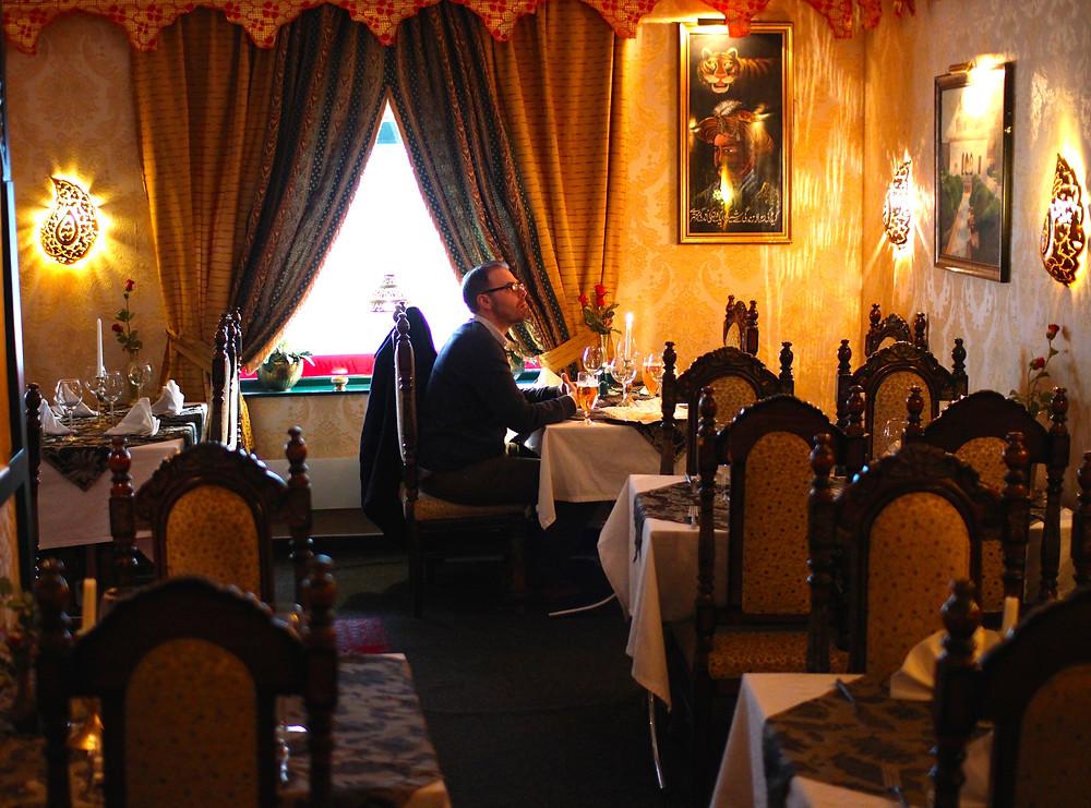 Stipendiaten_på_indisk_restaurant.JPG