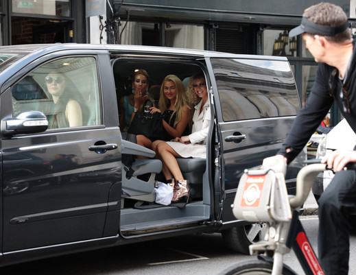 ROHMIR GUESTS LEAVE SHOW IN TAXI - CYCLIST