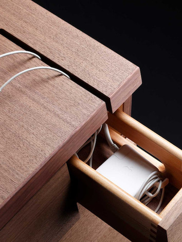 Cable-Management-in-Cartesia-Desk-in-Wal