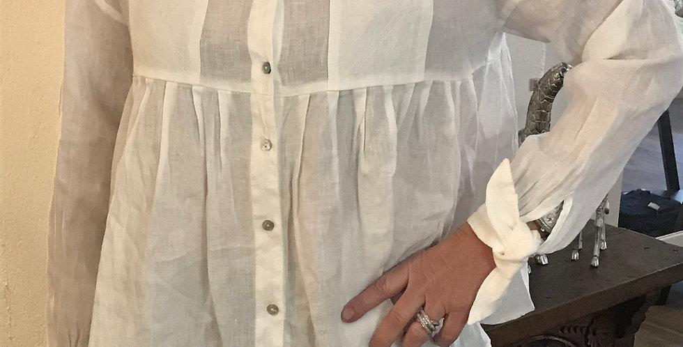 Chemisier blanc, forme courte avec volant et 2 poches, lin, Taille 40