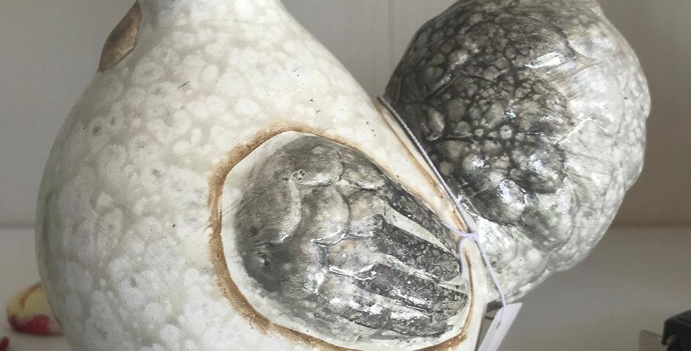 Coque porcellaine avec queue large, brun, gris, blanc 14.5cm