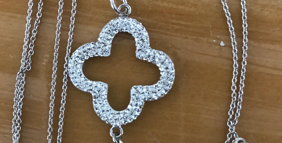 collier 90cm très fin argent avec pendentif trèfle et perle du culture, strass