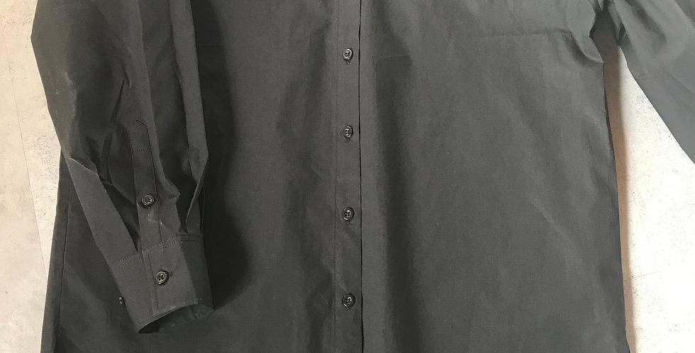 Chemisier noir, forme cool, ronde, un peu plus longue dans le dos, cotton, tl. s