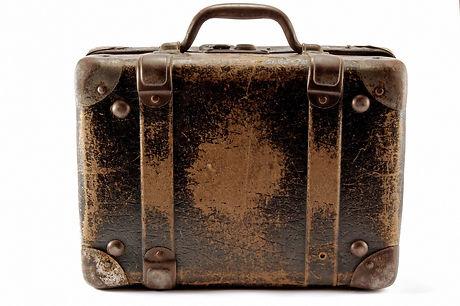 old-suitcase2.jpg