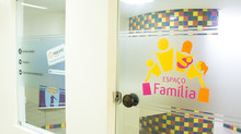 A importância de ter um fraldário ou espaço família em sanitários coletivos