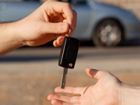 Assicurazione auto neopatentati: come risparmiare