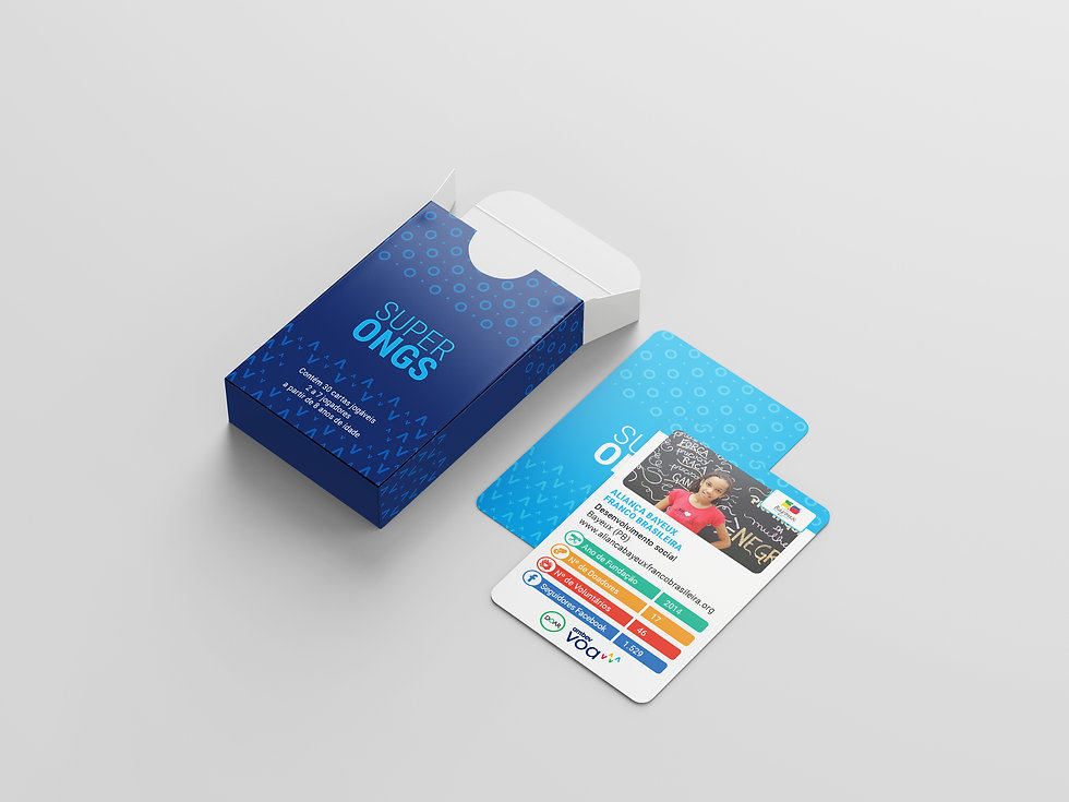 Free_Playing_Cards_Mockup_2.jpg