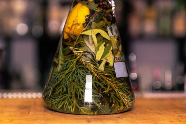 Herbs In A Test Tube-עשבים במבחנה