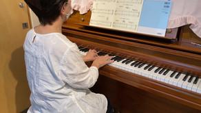 シニアのピアノ 基礎も頑張ってます