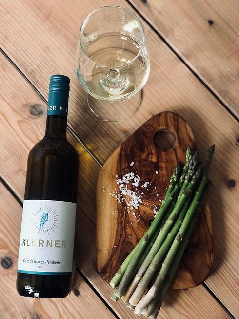 Online-Weinprobe_Spargel_und_Wein_Bertsc