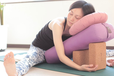 yoga377.jpg