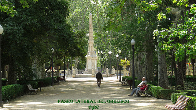 Paseo lateral Obelisco-WEB.jpg