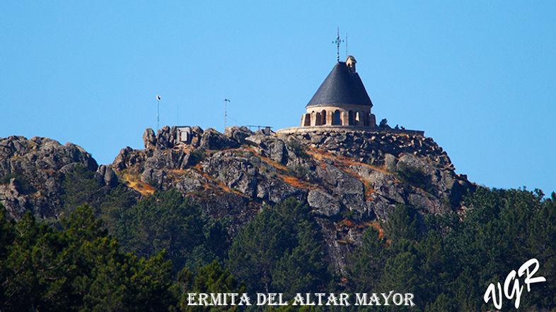 Ermita Altar Mayor-1-WEB.jpg