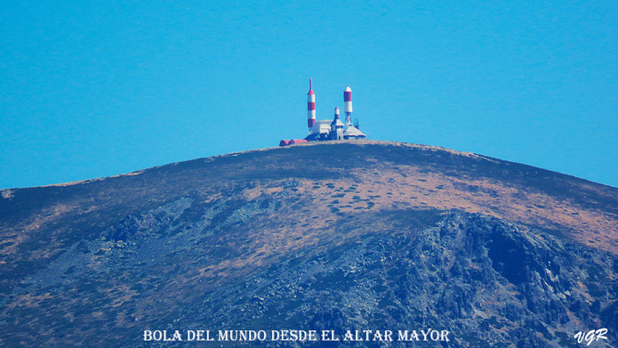 Bola Mundo desde Altar Mayo-WEBr.jpg