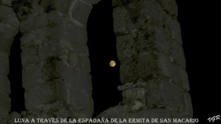 Luna+espadaña_san_macario-web.jpg