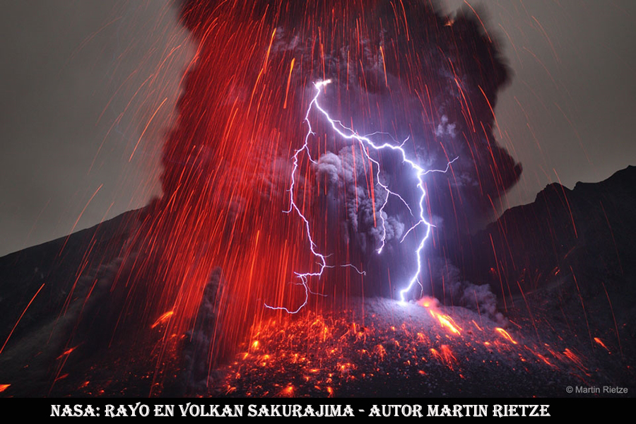 Rayo en volcan Sakurajima-WEB
