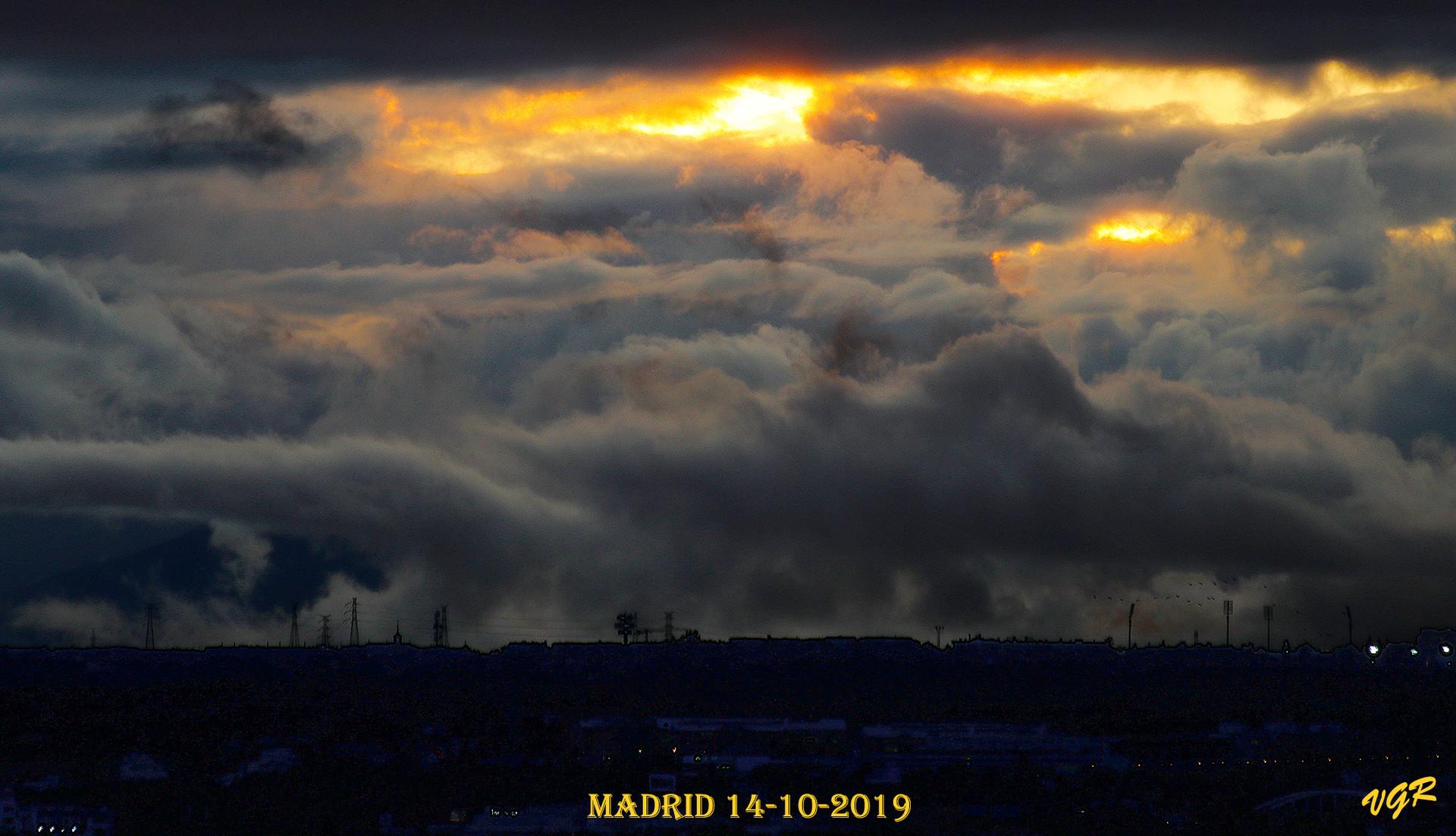 Sol con mal tiempo-2-WEB.jpg