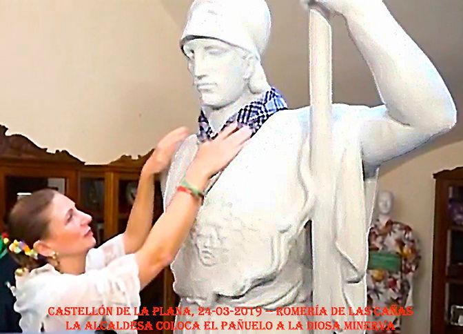 colocacion_pañuelo_diosa_Minerva-WEB.jpg