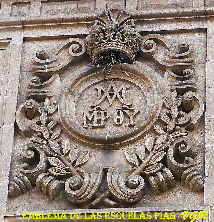 Escudo escuelas Pias-WEB.jpg