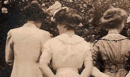 mujeres de espalda-2.jpg