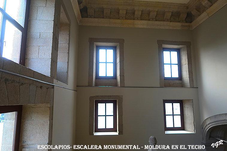 Escalera-moldura techo-WEB.jpg