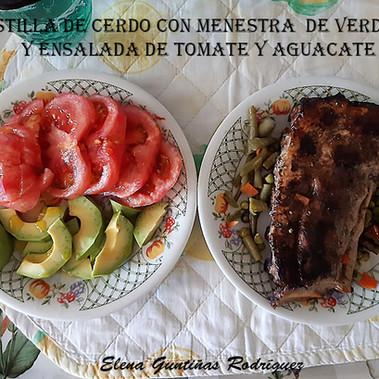 Costilla de cerdo+menestra+ensalada-WEB.