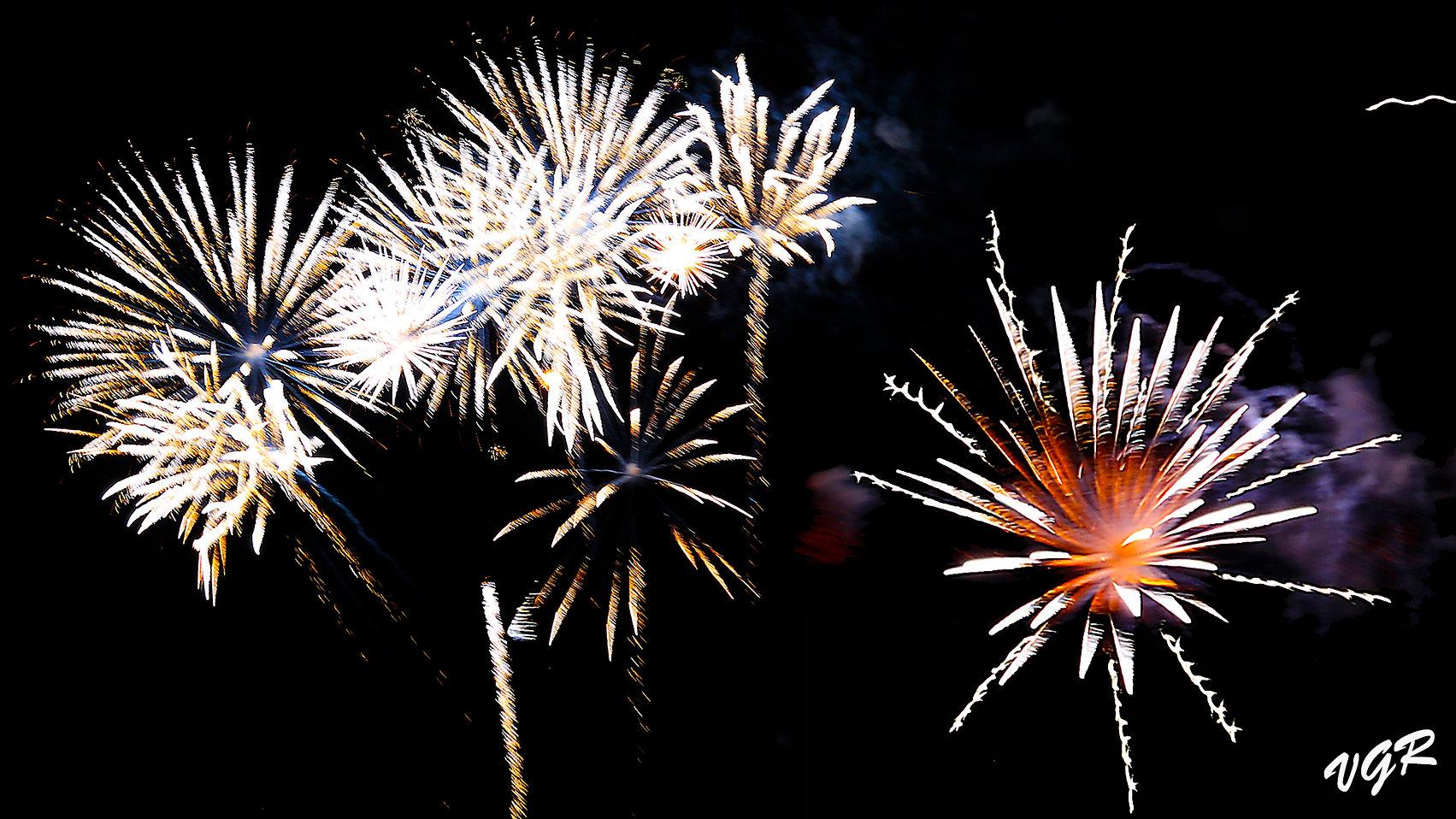 Fuegos-artificiales-Monforte-2017-combi3