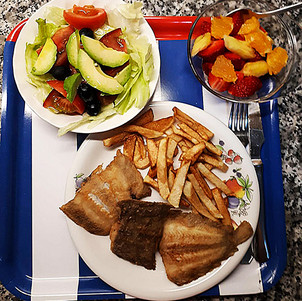Lenguado frito con patatas+ensalada +mac