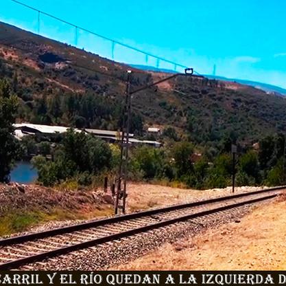 24-Ferrocarril y rio a la izquierda del camino-WEB.jpg