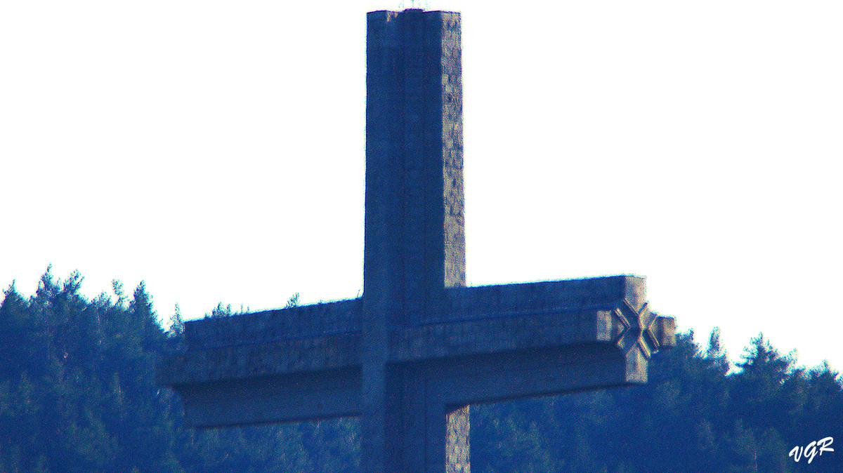 Cruz Caidos-Jarosa-6-WEB.jpg