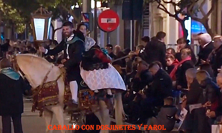 DG10-Caballo con dos jinetes y faro-WEBl