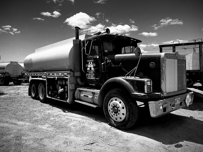 Hawaii trucking fueling logistics services