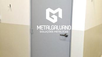 porta de ferro metalgalvano