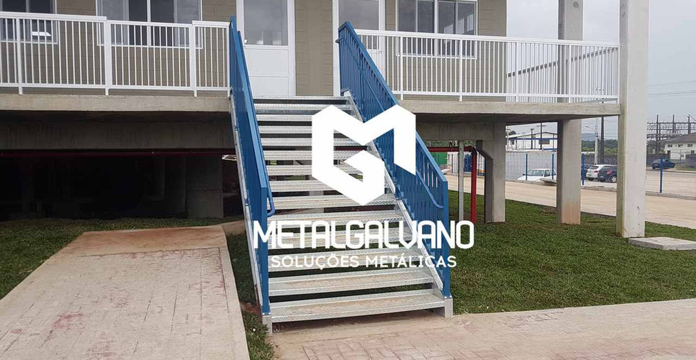 Escada metalica metalgalvano (3).jpg